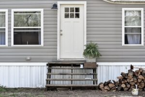 How to Measure a Mobile Home Door