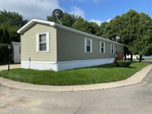 How wide is a single wide mobile home